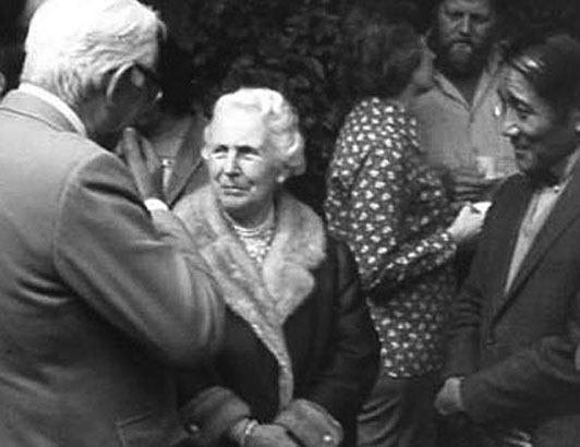 Jeanne de Salzmann attending a function of Annie Lou Staveley's in Oregon